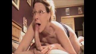 Amazing Deepthroat Blowjob By Mature Amateur Wife ! – xHamster.com[1]