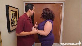 Busty Bbw Mature Lady Lynn Fucks Landlord to Save House