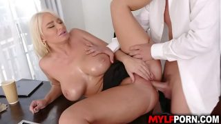 Busty blonde MILF boss London River asks her intern Jessy Jones give her a hot massage that gave her an ultimate happy ending.