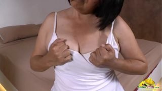 LatinChili Mature Latina Andrea Masturbation