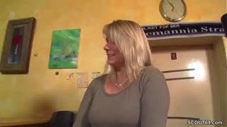 Mature Kellnerin Having hardcore Fuck with her son