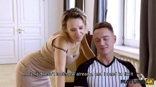 Mature woman of easy virtue is penetrated by so called It guy