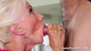 Stunning mature slut getting her butt screwed