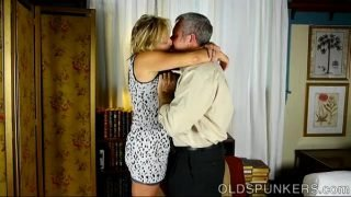 Very sexy mature babe is a super hot fuck